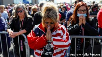 New York City | Trump Anhänger Gebet Coronavirus Erkrankung