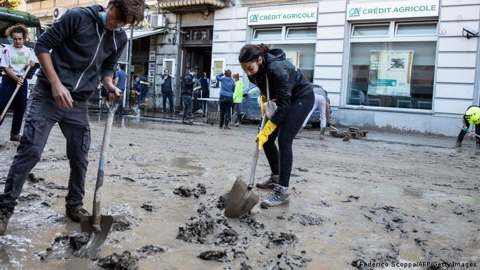Italien Ventimiglia Aufräumarbeiten nach Überflutungen (Federico Scoppa/AFP/Getty Images)