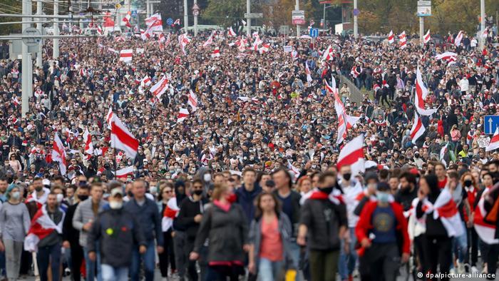 Aksi protes di Minsk, 4 Oktober 2020