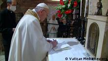 Italien Asis | Papst unterschreibt Enzyklika fFratelli Tutti
