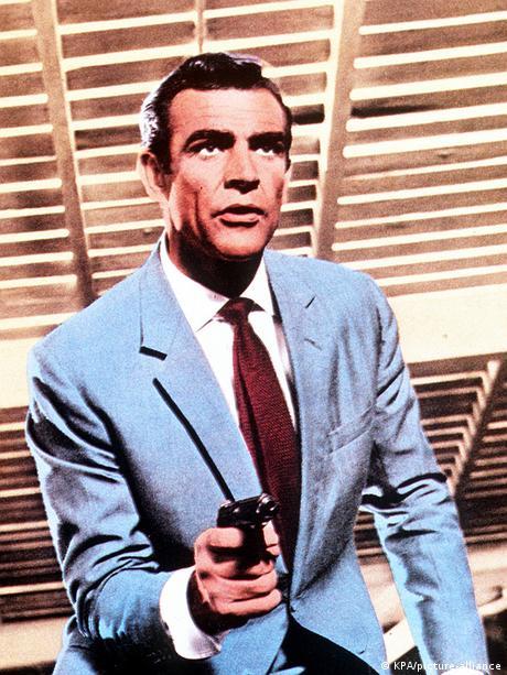 Pe vremuri, James Bond era ceva mai punctual (în imagine Sean Connery)
