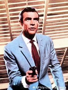 Шон Коннери в роли агента 007