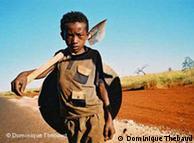 A Madagaskar comme dans d'autres pays africains, beaucoup d'enfants sont orpailleurs