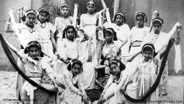 دختران رقصنده ایرانی در سال ۱۳۳۸