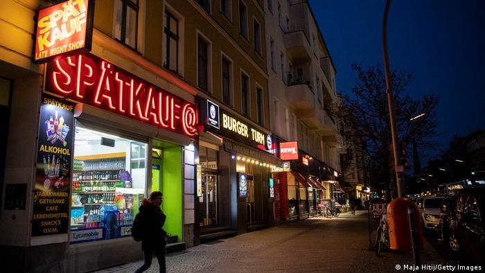Через зростання кількості нових випадків зараження коронавірусом у Берліні обмежать торгівлю вночі