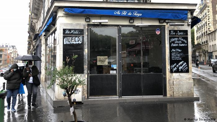 Zamknięty bar w Paryżu