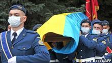 Ukraine Charkiw Trauerfeier Opfer   Absturz Militärflugzeug Antonov-26