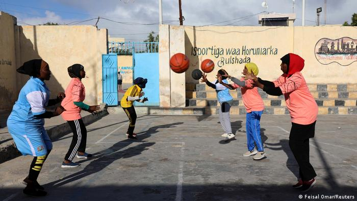 Somalia Mogadischu women play basketball