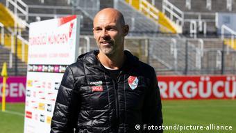 Türkgücü'nü Alman teknik direktör Alexander Schmidt çalıştırıyor.