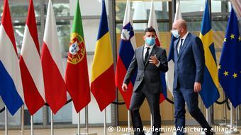 Маски в штаб-квартире ЕС никто не отменял