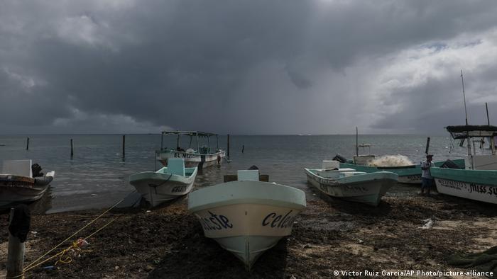 Mexiko Orkan Delta (Victor Ruiz Garcia/AP Photo/picture-alliance)