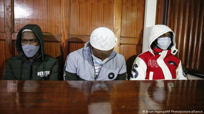 Three defendants in the Kenyan court (Brian Inganga/AP Photo/picture-alliance)