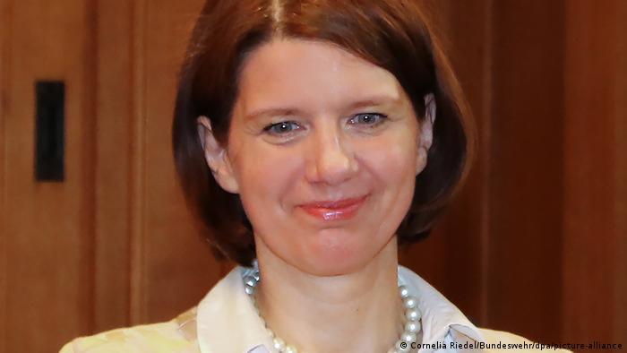 Martina Rosenberg MAD'nin başına getirilen ilk kadın olarak 1 Kasım'da göreve başladı.