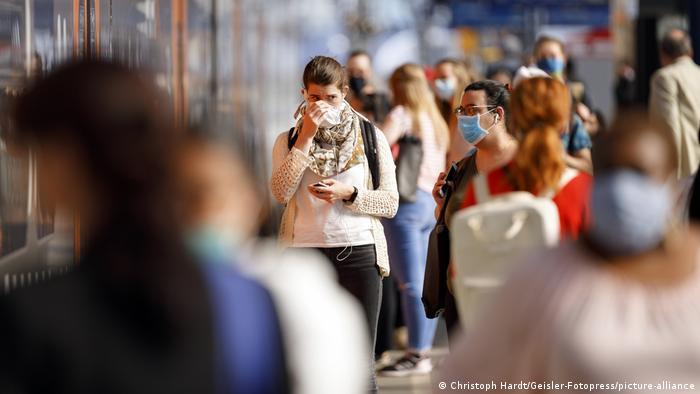 Somente na Europa foram 96 mil casos de covid-19 em um dia, o maior total para o continente já registrado pela OMS