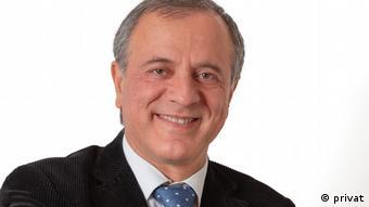 ایرج مصداقی، پژوهشگر و فعال حقوق بشر