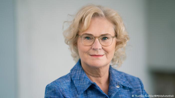 Deutschland Die Bundesjustizministerin Christine Lambrecht