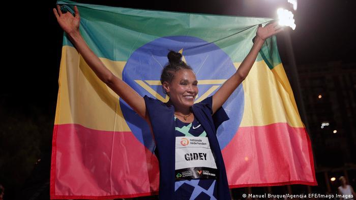 Leichtathletik-Meeting in Valencia I Weltrekord 50000 I Letensebet Gidey