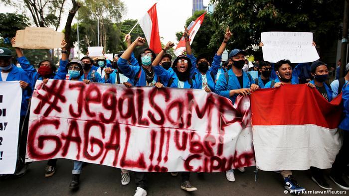 Indonesien Protest gegen Arbeitsreformen (Willy Kurniawan/Reuters)