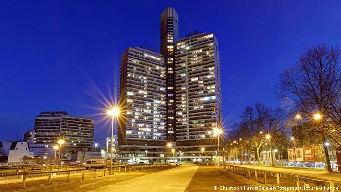 Жилищната сграда, в която живеят 1200 души