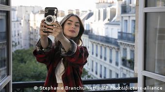 Η «Emily in Paris» είναι σειρά του Netflix