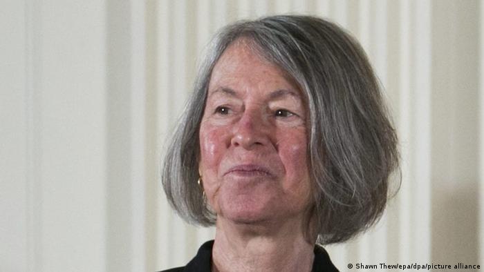 Poeta americana Louise Glück, em foto de setembro de 2016
