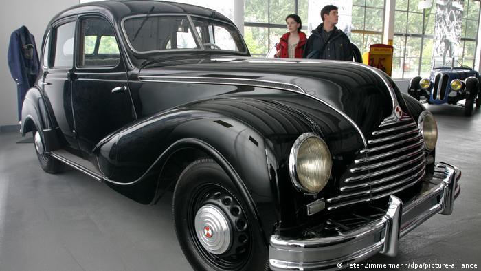 """Модель EMW 340-2 1953 года выпуска - экспонат музея """"Айзенахский автомобильный мир"""""""
