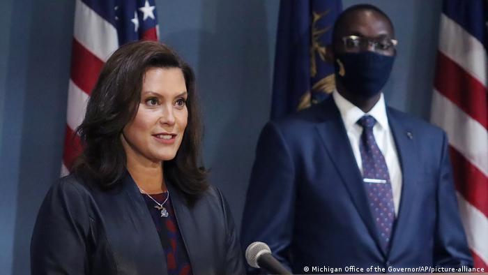 Governadora do Michigan, Gretchen Whitmer, era alvo de plano para sequestrá-la