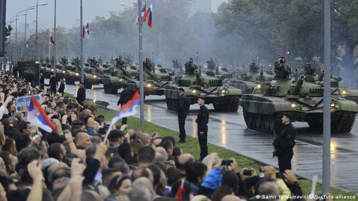 Učestale vojne parade i vežbe poslednjih godina