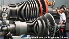 Deutschland Corona-Krise - Maschinenexporte brechen ein