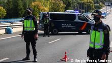 Spanien Coronavirus | Polizei am Checkpoint in Madrid