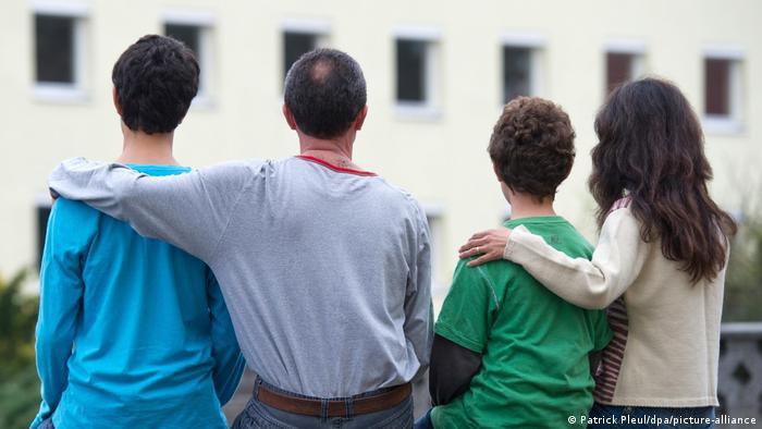 عکس از آرشیف: یک خانواده پناهجو در آلمان