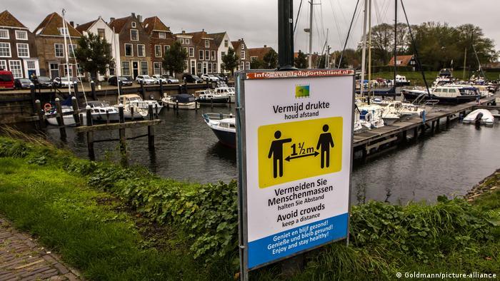 Niederlande Zeeland Veere Coronamaßnahmen (Goldmann/picture-alliance)