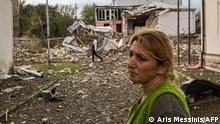 Bergkarabach Stepanakert Zivilisten vor Ruinen