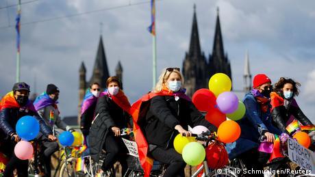Deutschland | Christopher Street Day Parade in Köln (Thilo Schmuelgen/Reuters)