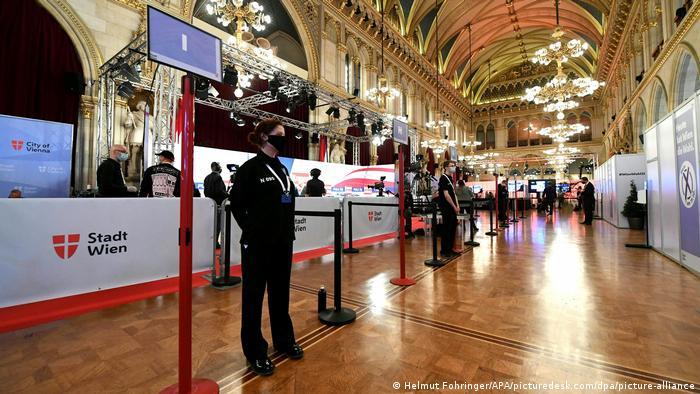 Voting location in Vienna's city hall