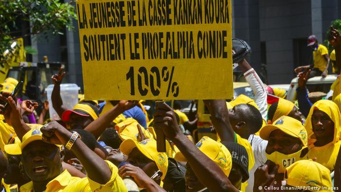 Des partisans d'Alpha Condé à Kankan, lors de la campagne pour la présidentielle 2020
