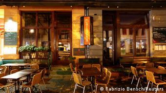 Berlin | Geschlossene Bar während Ausgangssperre