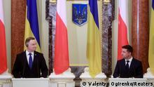Ukrainian President Volodymyr Zelenskiy and Polish President Andrzej Duda attend a joint news briefing as they meet in Kyiv, Ukraine October 12, 2020. REUTERS/Valentyn Ogirenko/Pool