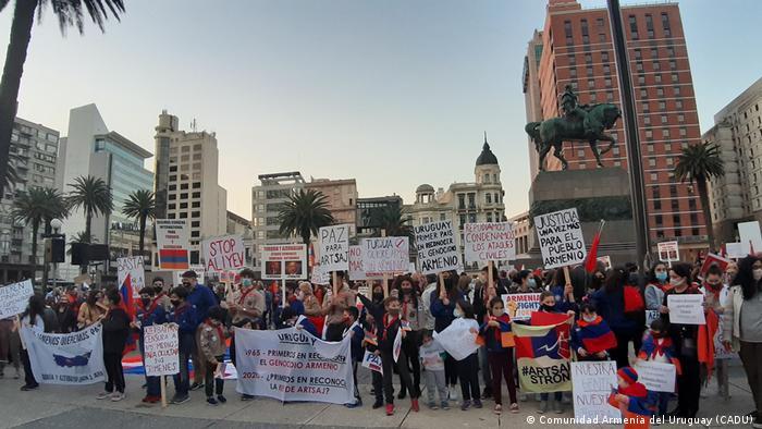 El compromiso se sigue manifestando hoy en las calles con marchas en Uruguay (foto).
