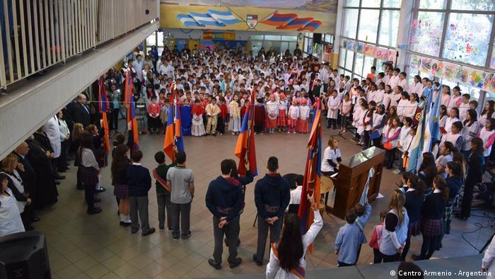 Hoy Argentina cuenta con siete colegios armenios en Buenos Aires y otro más en Córdoba, donde también hay una importante colonia armenia.