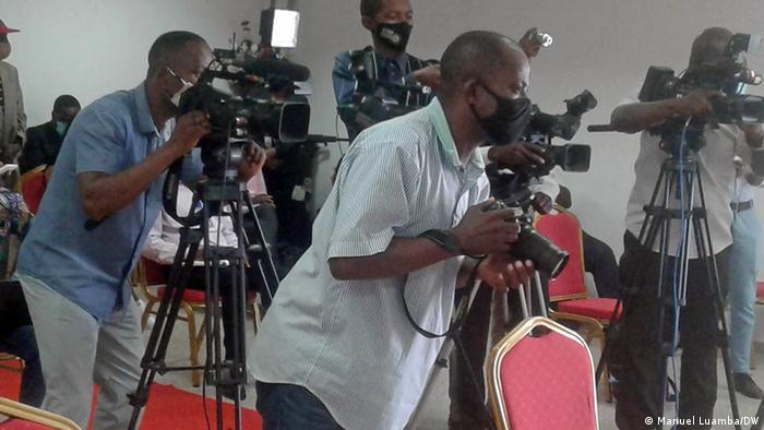 Angola Luanda Journalisten bei UNITA-Präsident Adalberto Costa Júnior