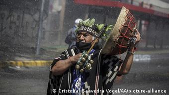 Οι αυτόχθονες Ινδιάνοι Μαπούτσε δεν έχουν σταματήσει τις διαδηλώσεις