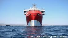 Türkei Antalya Ölbohrschiff Oruc Reis