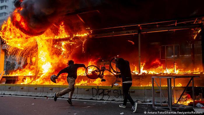 Indonesien Proteste (Antara Foto/Dhemas Reviyanto/Reuters)