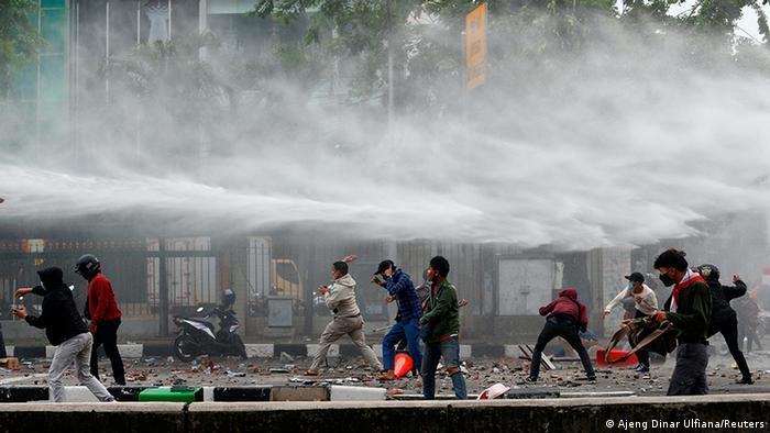 Indonesien Proteste 7 NEU (Ajeng Dinar Ulfiana/Reuters)