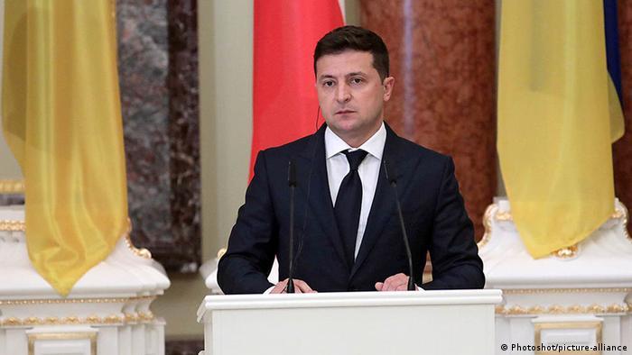 Офіс президента Володимира Зеленського здивований формулюваннями у рішенні суду щодо книги про Василя Стуса