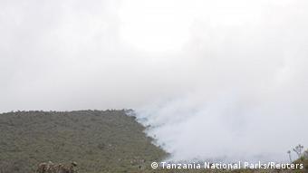 Tansania Kilimandscharo Brand (Tanzania National Parks/Reuters)