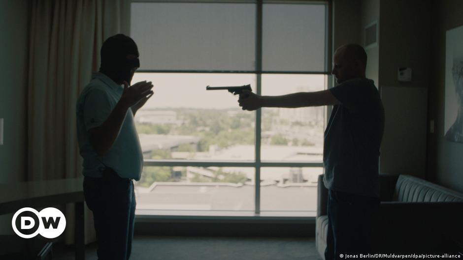 Baldwin-Schüsse: Wie ein Waffenexperte das Drama sieht