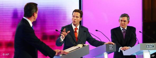 NO FLASH Großbritannien Wahlen TV-Duell Gordon Brown Nick Clegg und David Cameron