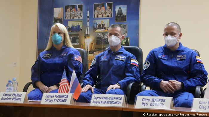 Die Crew der ISS (Foto: Russian space agency Roscosmos/Reuters)